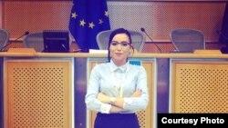 Сенада Сали од Тетово, правник во Европскиот Центар за правата на Ромите со седиште во Будимпешта.