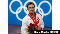 Вараев Iадлан, дуьненан, Европан, Советан пачхьалкхан чемпион, Олимпан ловзарийн дато призер