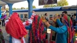 Ak öý, Berdimuhamedowyň kitaplary... Türkmenler Täjigistana näme getirdi?