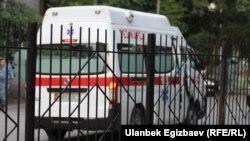 Кыргызстандын «Тез жардам» кызматынын автоунаасы. Иллюстрациялык сүрөт.