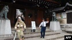 Жапония -- Храмдагы жарылуудан кийин. Токио, 23-ноябрь, 2015.