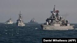 Кораби на НАТО и на съюзническите държави участват често в учения в Черно море