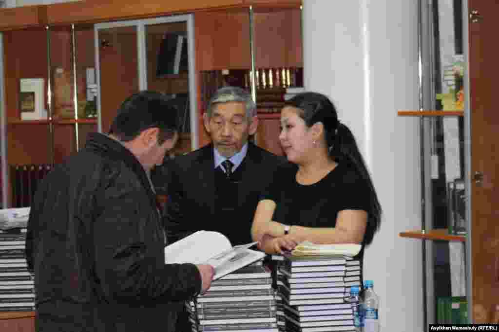 Мұстафа Шоқай шығармалары жинағының тұсаукесері. Алматы, 12 желтоқсан 2013 жыл.