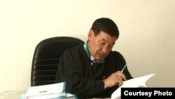 Судья Талдыкорганского городского суда Жасамурат Сагымбеков. Июль 2015 года.