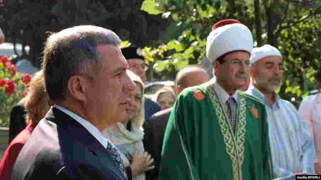 Миңнеханов Истанбул зиратында