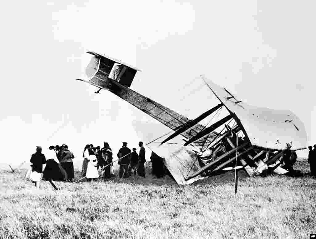 Aviation pioneers John Alcock and Arthur Whitten Brown crash-land their Vickers Vimy aircraft in a bog near a wireless station in Clifden, Ireland, on June 15, 1919, completing the first nonstop transatlantic flight.