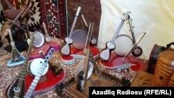 """Азербайжандагы """"Секонд хенд"""" дүкөнү"""