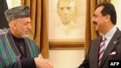 Премьер-министр Пакистана Юсуф Раза Гилани сегодня призвал афганских талибов и их союзников вступить в мирные переговоры с властями Афганистана. Ранее президент Афганистана Хамид Карзай также призвал талибов начать прямые переговоры, а Пакистан –