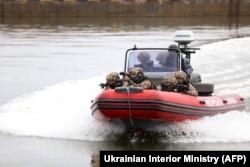 Учения Национальной гвардии Украины в акватории Мариупольского морского порта. 19 апреля 2021 года