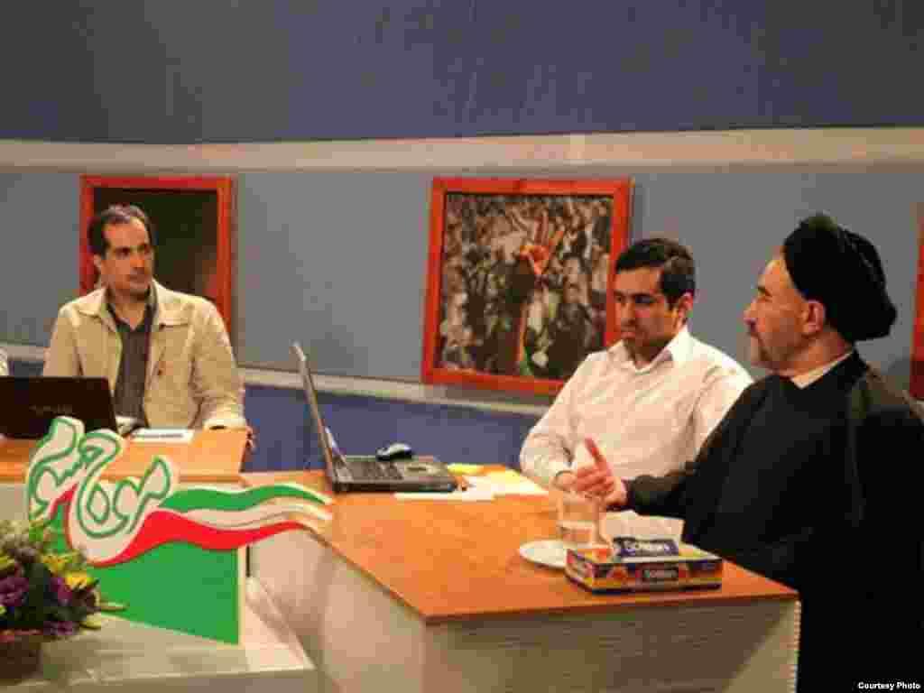 Былы іранскі прэзыдэнт Махамад Хатамі ўдзельнічае ў тэле-дэбатах празь інтэрнэт