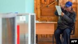 Избирательный участок в Костроме, 13 сентября 2015.