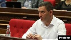 Armenia - Gevorg Petrosian attends a session of the Armenian parliament, May 25, 2020.