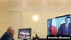 Ռուսաստանի նախագահ Վլադիմիր Պուտինը տեսակապով զրուցում է Ֆրանսիաի նախագահ Էմանյուել Մակրոնի հետ, արխիվ