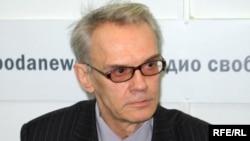 Коммунистическая партия все эти годы ведет Молдавию по пути либеральных реформ, уверен политолог Дмитрий Фурман
