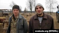 Даглядчыкі жывёлы: беларус Пётар і армянін Врэж