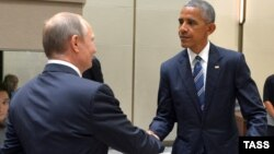 Барак Обама менен Владимир Путин.