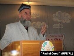 Ҳоҷӣ Мирзо, рӯҳонии шинохтаи тоҷик.