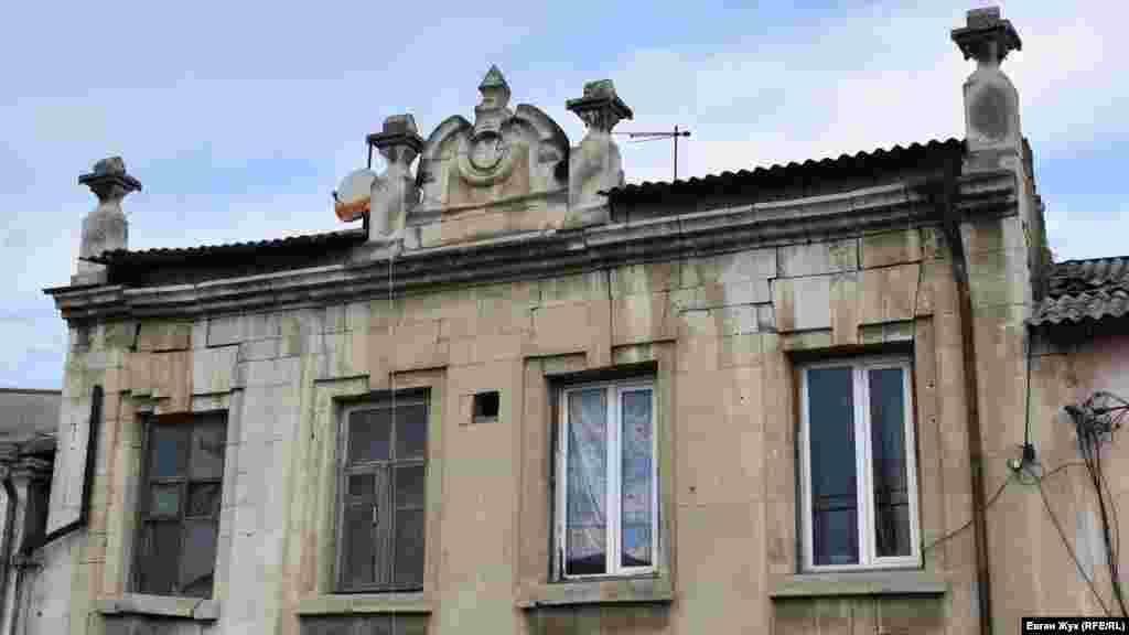 Lenin soq., 118 adresindeki eski zengin ev aqqında internette bir malümat yoq