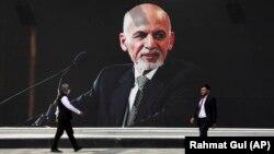 Fostul președinte afgan se află în Emiratele Arabe Unite