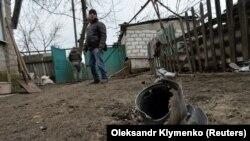 Наслідки обстрілів у селищі Новолуганське, Донецька область, 19 грудня 2017 року