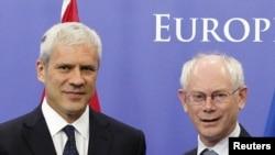 Српскиот претседател Борис Тадиќ и претседателот на ЕС, Херман ван Ромпуј