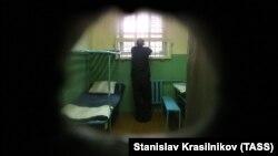 Заключенный в тюрьме, Владимирская область, 2013 год