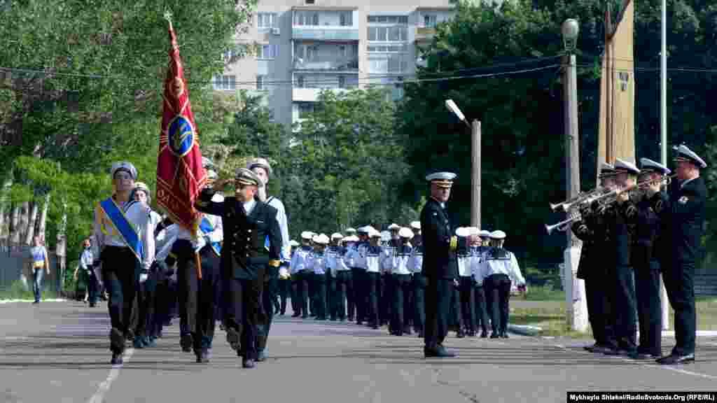 В ліцеї навчаються кілька сотень курсантів з усієї України