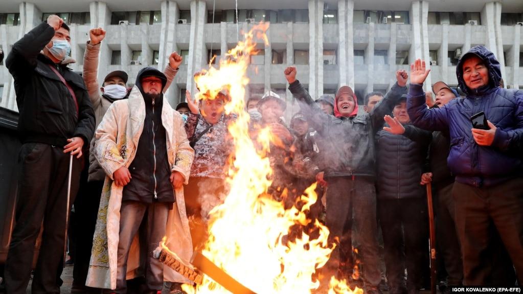 ЦИК Кыргызстана отменил итоги голосования на парламентских выборах