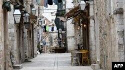 Prazne ulice u Dubrovniku u vreme pandemije COVID-19