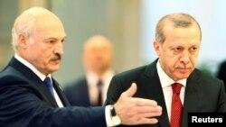 Belarusyň we Türkiýäniň prezidentleri Alýaksandr Lukaşenka we Rejep Taýyp Erdogan , Minsk, 11-nji noýabr, 2016.