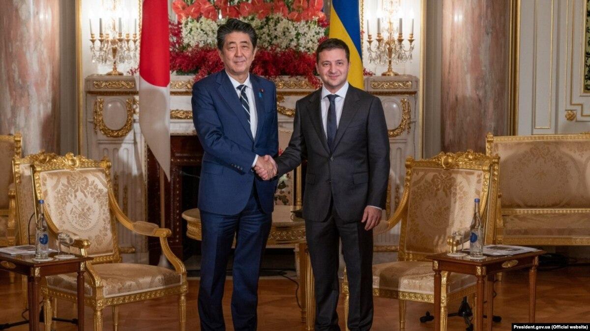Инвестиции и «безвіз»: Зеленский встретился с премьер-министром Японии