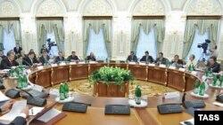 За столом саміту Україна – ЄС
