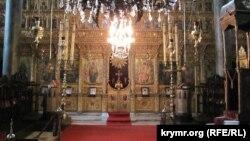 Вид на іконостас Кафедральної Церкви Святого Георгія (Стамбул, Фанар, 2011)