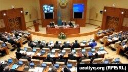 Қазақстан парламенті мәжілісінің сессиясы. Астана, 9 қараша 2011 жыл. (Көрнекі сурет)