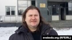 Максім Вінярскі адмовіўся падымацца ў прысутнасьці судзьдзі