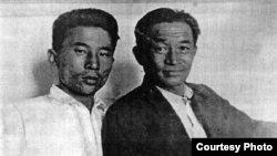 Солдан оңға: Әбусағит Жиреншин мен суретші Әбілхан Қастеев. 1944 жылғы сурет.