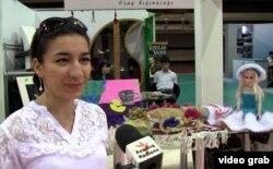 Aynur Talıbova deyir ki, məhsulları uşaqlar sığınacaqdakı əmək dərnəklərində hazırlayırlar