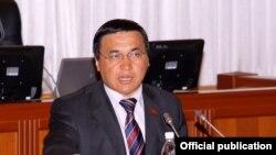 Мыйзам автору Жогорку Кеңештин депутаты Каныбек Иманалиев.