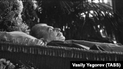 Иосиф Сталин в гробу, Москва, 6 марта 1953 года
