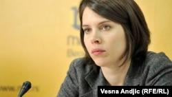Mi smo u situaciji borbe sa vremenom izgubili godinu i po dana jer Vlada nije pustila listu kandidata Skupštini i u parlamentu je bio problem sa izborom: Milica Kostić
