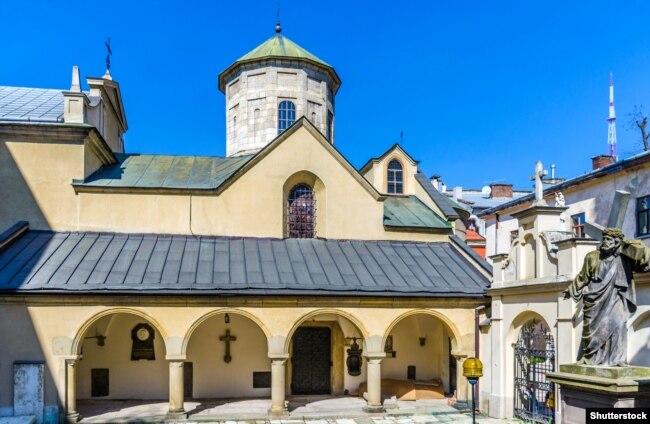 Вірменський кафедральний собор Успіння Пресвятої Богородиці, збудований у 1363–1370 роках. Пам'ятка архітектури національного значення у Львові, що належить до Світової спадщини ЮНЕСКО