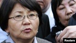 Роза Ўтунбаева президентлик бошқаруви Қирғизистонга тўғри келмайди, деб ҳисоблайди.