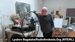 Сергій Якутович у своїй майстерні, вересень 2012 року