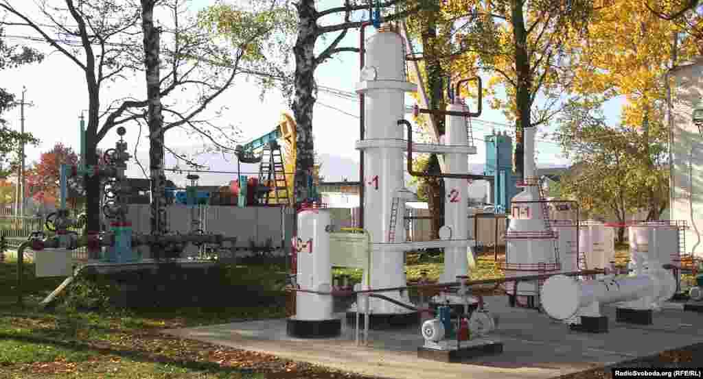 У Музеї нафти під відкритим небом представлене обладнання різних часів