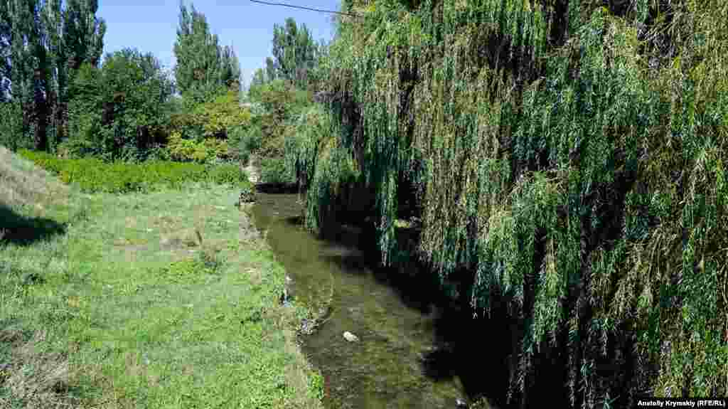 Через Укромное протекает самая длинная река на полуострове – Салгир