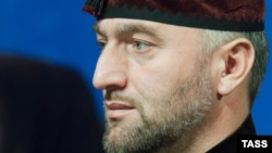 Оьрсийчоьнан Пачхьалкхан Думан депутат Делимханов Адам.