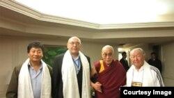 Кыргызстандыктар Далай Лама менен кездешкен учур.