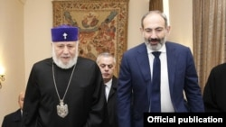 Armenia - Catholicos of All Armenians Garegin II meets with the acting Prime Minister Nikol Pashinian in the Mother See of Holy Echmiadzin, 14Nov,2018
