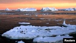 Антарктикадагы эриген муз