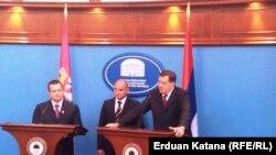 Premijeri Srbije i RS Ivica Dačić i Aleksandar Džombić uz predsjednika RS Milorada Dodika u Banjaluci 2. oktobra 2012. godine